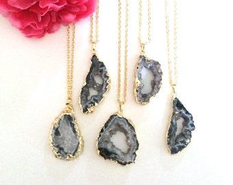 druzy pendant - layering necklace - druzy necklace - raw gemstone - bohemian jewelry - ooak jewelry - agate jewelry - gemstone jewelry