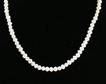 white Fresh Water Pearl Necklace ( DF003/BN)