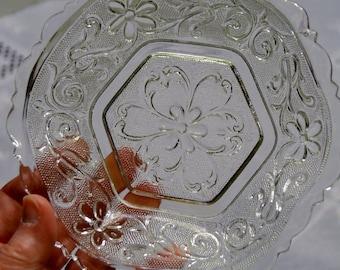 Vintage Indiana Glass Bowl Sandwich Glass Daisy Flower Heart Clear Hexagon Dessert Bowl PanchosPorch