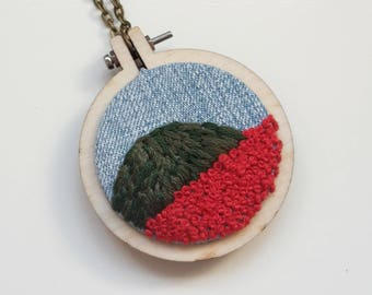 "embroidery necklace ""tuscany hill"""