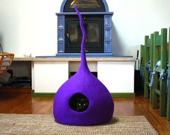 Cat cave purple, XL cat bed felted, cat house, pet Furniture. 100% Wool - handmade in Italy