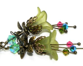 Lucite Trumpet Flower Earrings - Victorian Olive green Lily - Brass bead caps and leverback earwires - Swarovski crystals