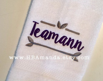 Last Name Monogram + Leaf design hand towels - Set of 2 Towels - Choose thread colors + towel colors