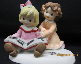 "Sisters and Best Friends Statue ""Memories Are Best When Shared With You"""