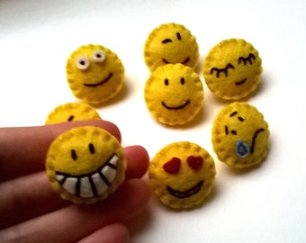 Mini Emoticon pins - Smiley - felt brooches - handmande felt brooches / pins - eco friendly - felt jewelry