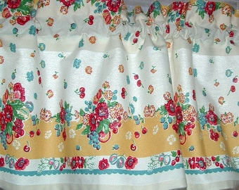 Vintage GARDEN FLORAL Valance Cotton 52 x 13  Retro KITCHEN 1940s Tablecloth Look Print