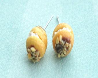 cream puff pastry earrings- miniature food jewelry, food earrings, food jewelry, dessert jewelry