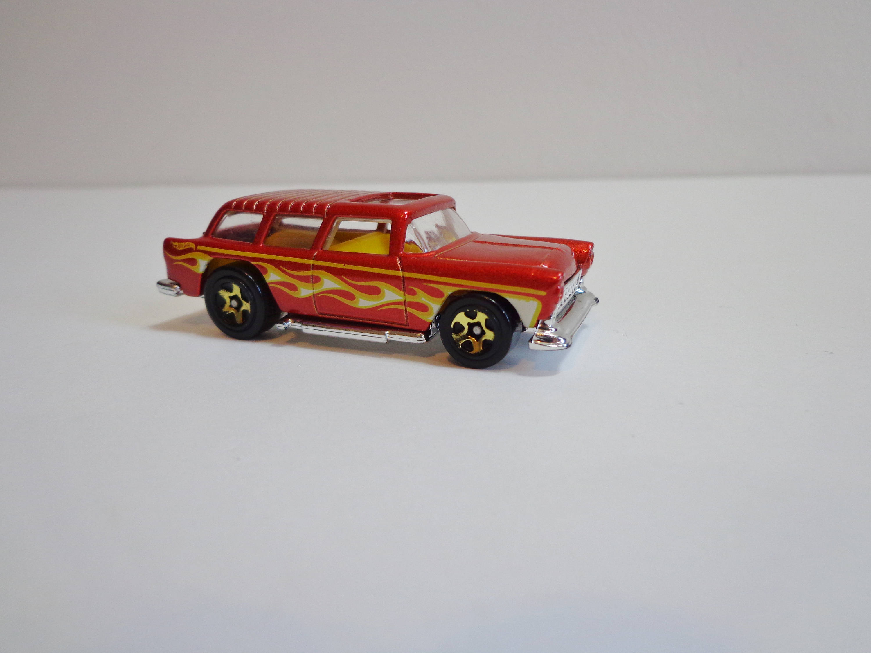 Vintage Hot Wheels Collectible 1969 Red Chevy Nomad with