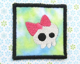 Iron on Patch, Skull Patch, Mini Patch, Pink and Green, Embroidered Patch, Skull with Bow, Iron on Applique, Geekery, Embroidered Applique