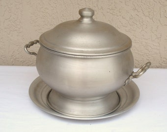 Vintage Aluminum NORLEANS Italy Lidded Soup Tureen Vegetable Bowl With Matching Tray.