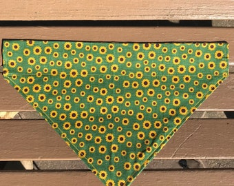 Green Sunflower Over-the-Collar Bandana