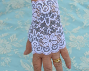 Short lace fingerless gloves, fingerless gloves short lace fingerless gloves gray and white, short lace cuffs, classy short mittens