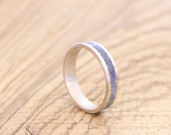 Blue women's band sterling silver wedding ring with crushed lapis lazuli inlay