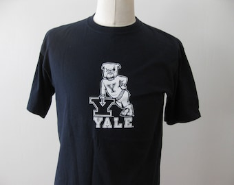 Yale University Bulldogs t-shirt shirt Adult Large