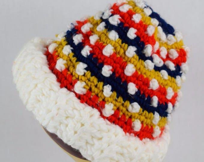 Vintage 1970's Women's Knit Pom Pom Winter HiPPiE HipTeR Ski Hat Beanie