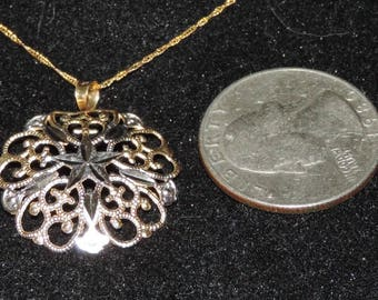 "Vintage Estate10K Yellow White Gold 23 mm Filigree Pendant Necklace 1.21 Grams 18"""