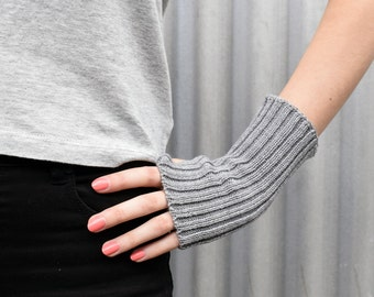 Grey Wool Wrist Warmers / Fingerless Mittens, wool mittens, wool gloves, merino wrist warmers, girlfriend gift
