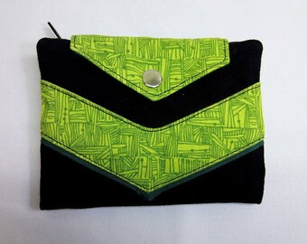 Wallet fabric black and green motifs