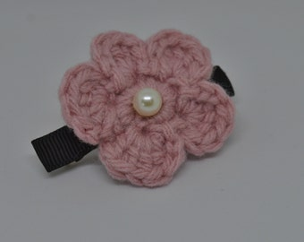 French Clip - Crochet Single Layer Flower - Pink on Black French Clip - Hair Accessory