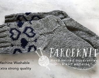 Socks PDF pattern, mens socks PDF, womens socks PDF, nordic hearts socks pattern, Valentines gift, anniversary gift