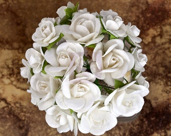 "NEW: Prima Chantelle ""Rose"" Heirloom White Flowers 567248 Mini Mulberry Paper Roses in wire Wedding decoration"