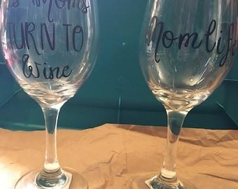 Set of 2 WINE glasses for MOM