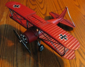 Red BARON Bi-plane with  Iron Cross Albatross D-III metal airplane model from WWI Germany