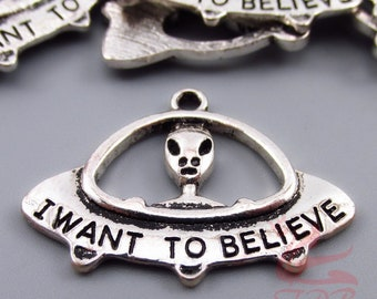 5 Alien UFO Charms 29mm Wholesale I Want To Believe Silver Plated Pendants SC0067668