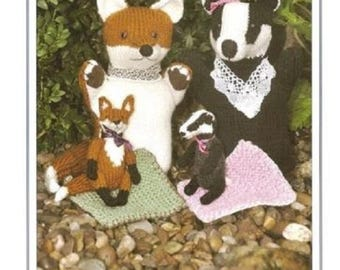 Knits & Pieces Foxy and Badger Glove Puppets And Their Babies Pattern,  KP 23, knitting pattern, glove puppet pattern, fox and badger puppet