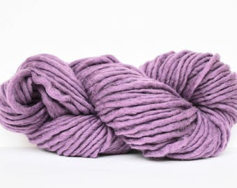 Bulky Light Wool Yarn, Roving Yarn, Chunky Yarn, Wool Yarn, Blanket Yarn, XL Yarn, Big Yarn, Bulky Yarn, Knitting Yarn, Mauve Color