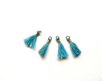 4 tassels wire gold turquoise tip 17mm