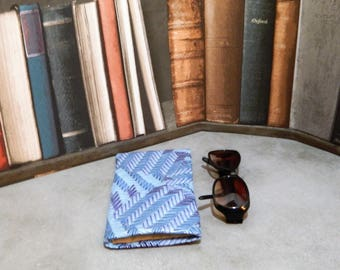 glasses case, glasses pouch, glasses holder, sunglasses case, spectacle case, sunglasses storage, Specs case, reading glasses, sunnies,