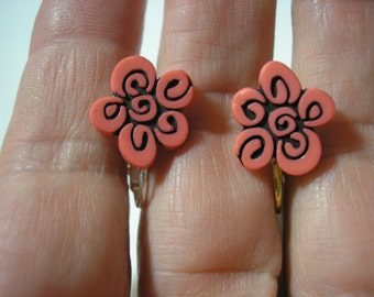 Play Earring - Clip - Whimsical Flower - Salmon - 1/2""