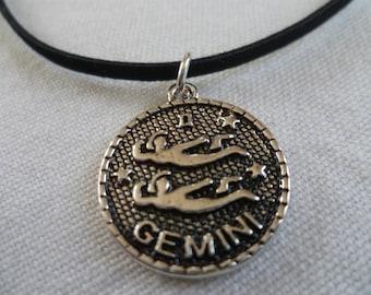 Gemini choker,zodiac jewelry,personalised jewelry,gemini necklace,zodiac choker,black choker,star sign,birthday,birth sign,stars