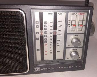 Vintage General Electric GE tv Sound 4Band AM/FM Portable Radio Model 7-2945A