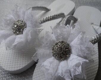 White Bridal Flip Flops / White Lace Flower Flip Flops / Rhinestone Bridal Flip Flops / Bridesmaids Shoes / Bridal Sandals.