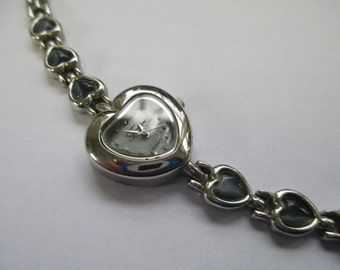 """Vintage lady's watch from """"Fondini""""  silver linked heart metal band  used watch"""