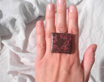 Large ring fimo square, brown tones and discreet designs
