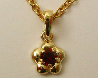 Genuine SOLID 9K 9ct YELLOW GOLD January Birthstone Daisy Garnet Pendant