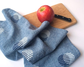 Stripe Circle Towel : Chambray Ground - Navy/White Print