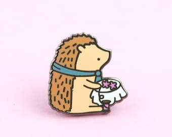 Hedgehog Embroidery Pin | sewing, embroidery pin, modern cross stitch, modern embroidery accessories, sewing pin, cross stitch pin