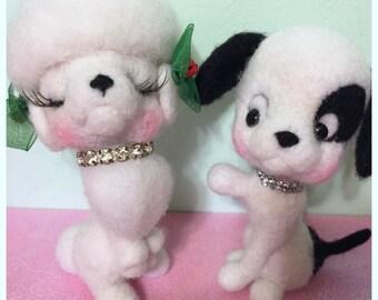 Gefilzte Hunde paar Hund paar jungen und Mädchen Hunde Pudel Welpen Figuren weiche Skulptur Pudel Disney wie Tiere
