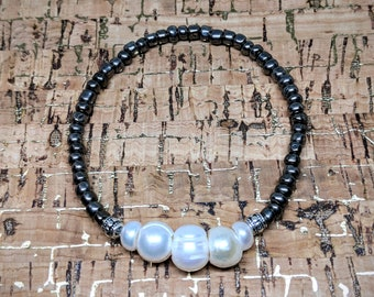 Natural Freshwater Pearl Bracelet -- Stretchy Adjustable Bracelets with Freshwater Pearl, Silver Plate Spacers and Glass Beads