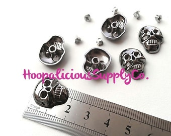 6pc-18mm Metal Skull Screw Studs.YOU CHOOSE COLOR: Gold, Silver, Gun Metal, or Brass. Use for Leather, Clothing Embellishment, Jewelry.