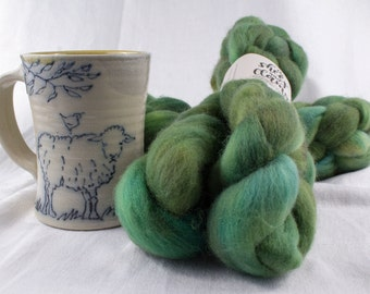 Corriedale Cross Wool Top Roving Spinning Fiber Small-batch Hand-dyed Valley Green