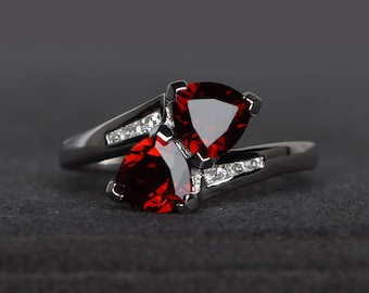natural garnet ring wedding ring trillion cut red gemstone sterling silver ring January birthstone