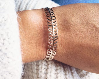 750 - leaf - gold plated 18 bangle bracelet gold plated Bangle k