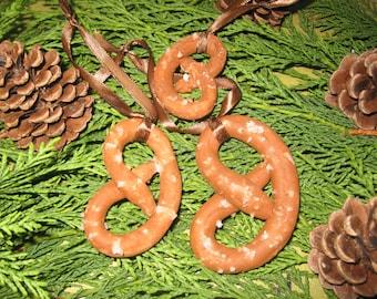 Free shipping! set of three Christmas ornaments pretzels