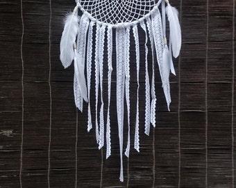 Großen Doily Dreamcatcher, mit weißen Federn und Spitze