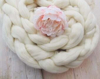 Long White Chunky Braid from Giant Merino Wool, Newborn Posing Photo Prop, Chest Filler, Nest Stuffer, Fluffy Cloud Newborn Photography